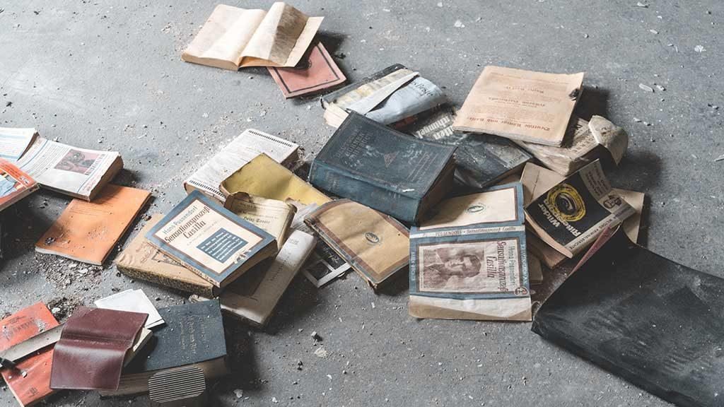 Non abbandonate i libri!