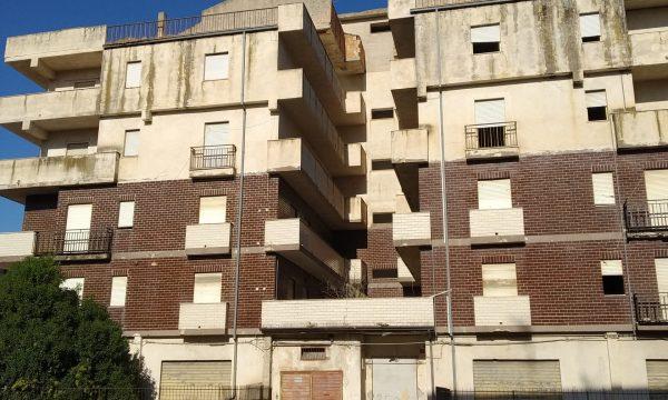 """Inchiesta: il """"Palazzo Bruciato"""" passa inosservato anche all'amministrazione Stasi"""