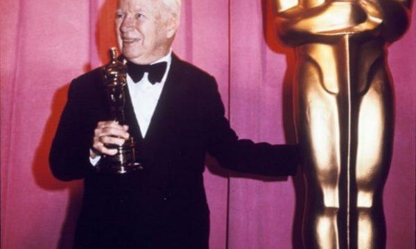 Questione di tempi: Charlie Chaplin – L'allontanamento e l'Oscar alla carriera